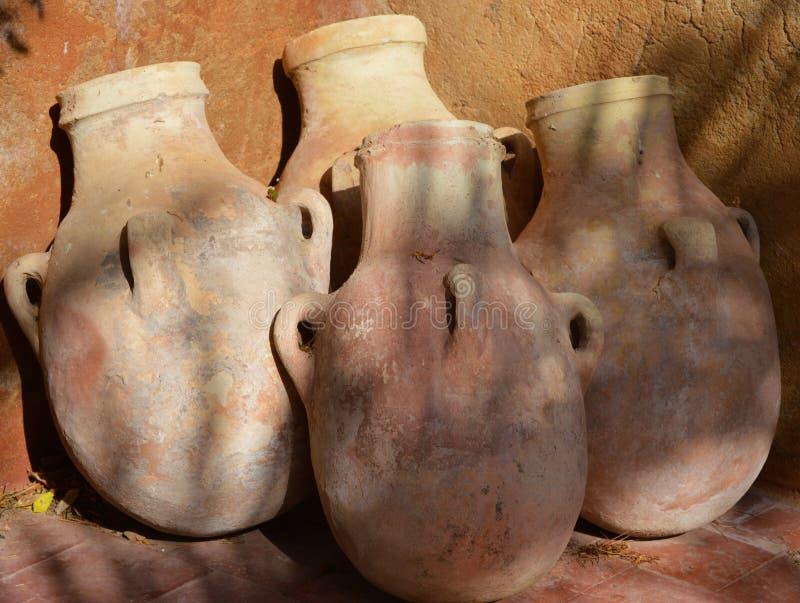 在terracota的泥罐 免版税图库摄影