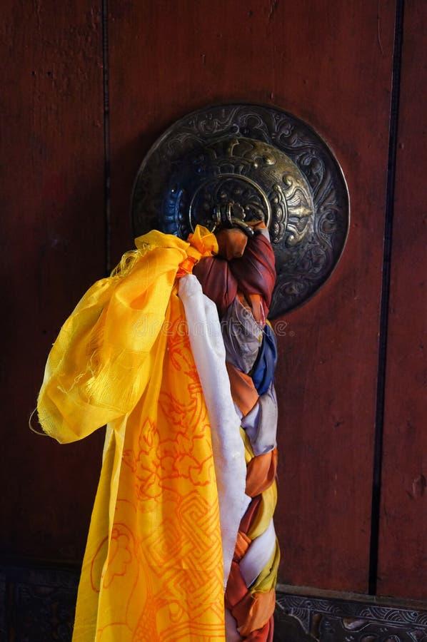 在Thiksey Gompa,印度的老门 库存照片