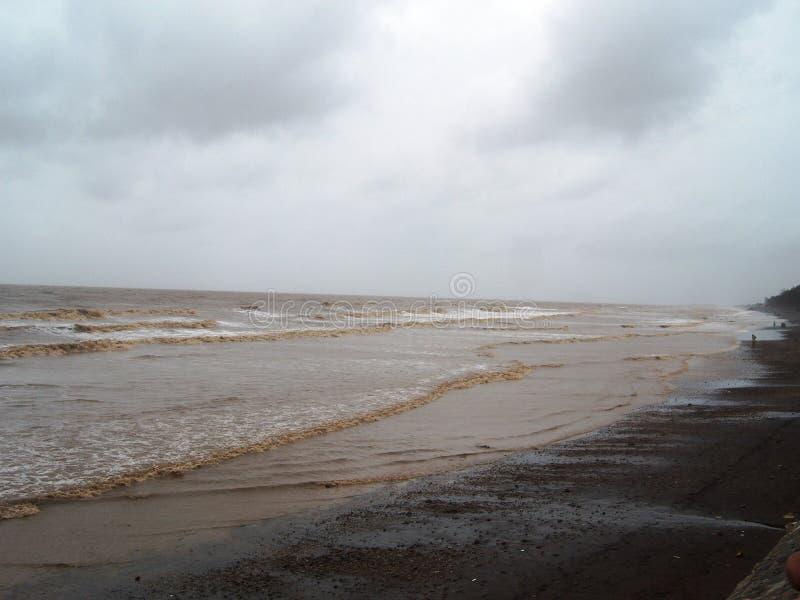 在Tithal海滩, Valsad,古杰拉特的美丽的海滨 库存照片