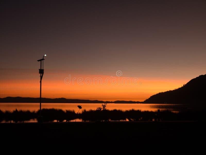 在Titicaca湖的日出在普诺 免版税库存图片