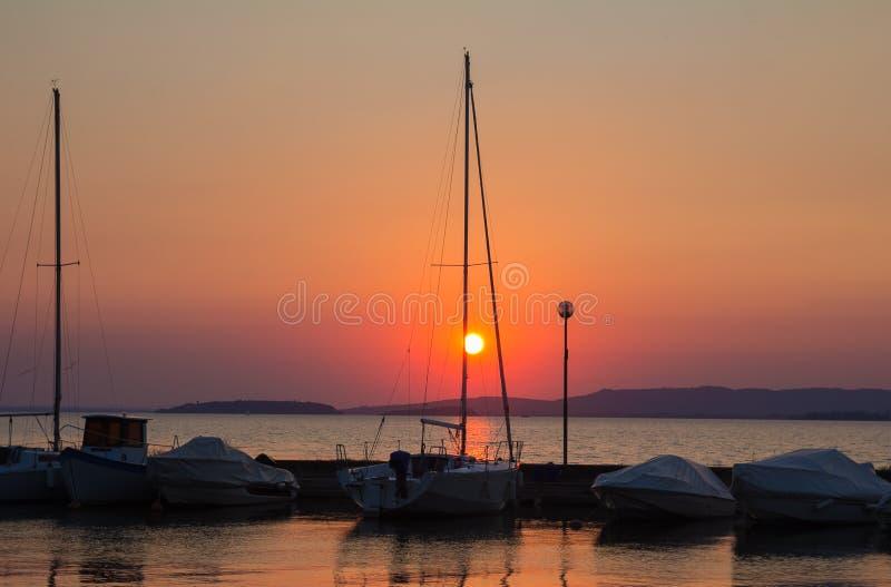 在Trasimeno湖的小船 库存图片
