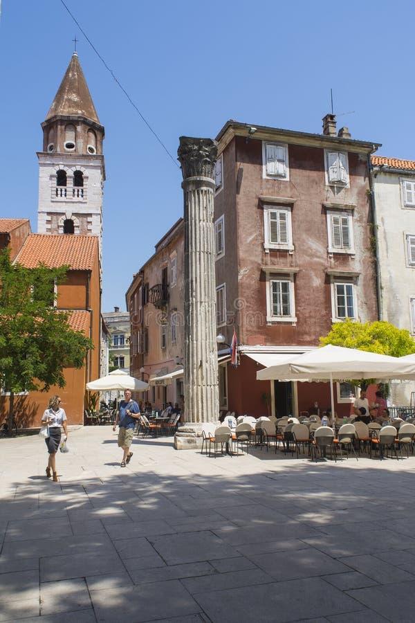 在Trg Petra Budinica的罗马专栏在扎达尔,克罗地亚 库存照片