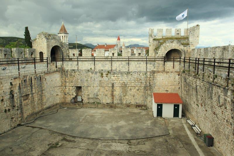 在Trogir的Kamerlengo城堡 免版税库存图片
