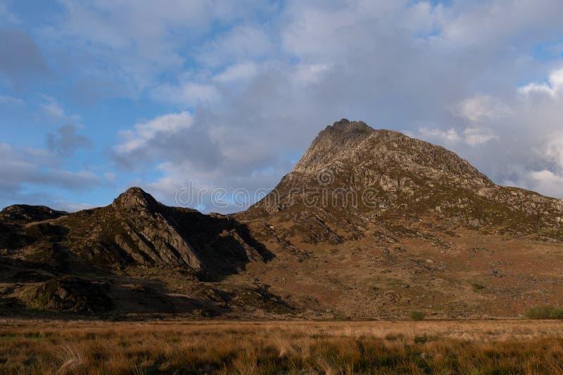 在Tryfan峰顶的早晨阳光 库存图片