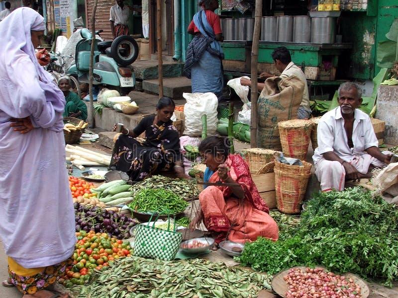 在Tsunmai以后的印第安市场2004年 图库摄影