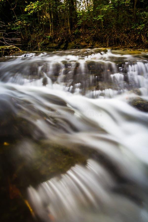 在Tucquan小河的小瀑布,在兰开斯特县, Pennsylva 免版税库存照片
