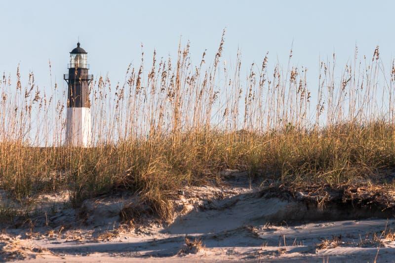 在Tybee海岛上的灯塔在大草原,乔治亚附近 库存图片