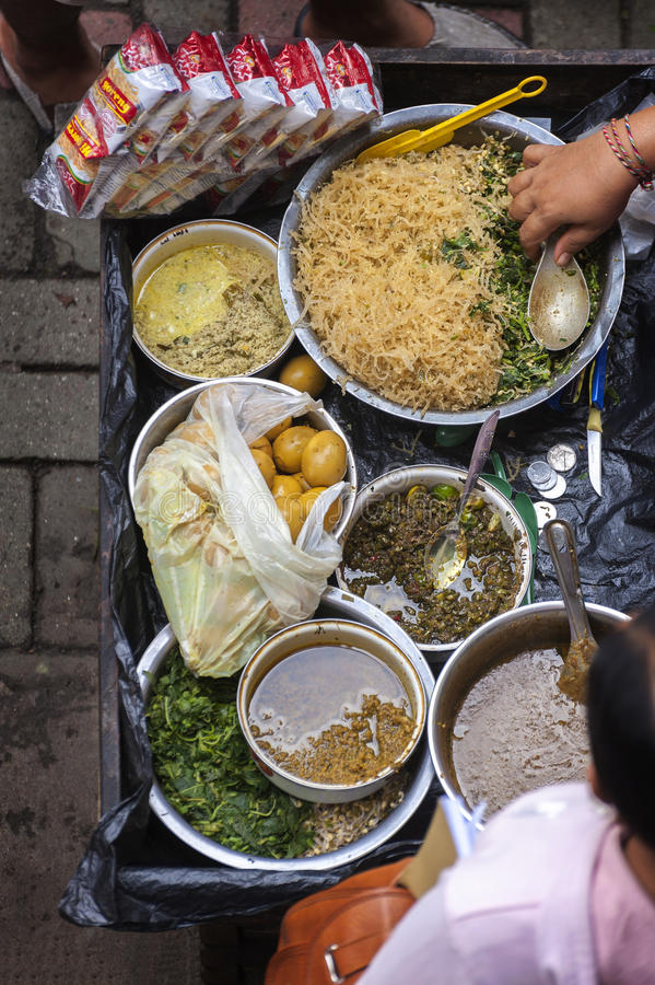 在Ubud的街道食物,巴厘岛传统公开市场 免版税库存图片
