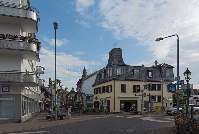 在Untertor的步行区域角落街道, Hofheim上午Taunus,德国 图库摄影