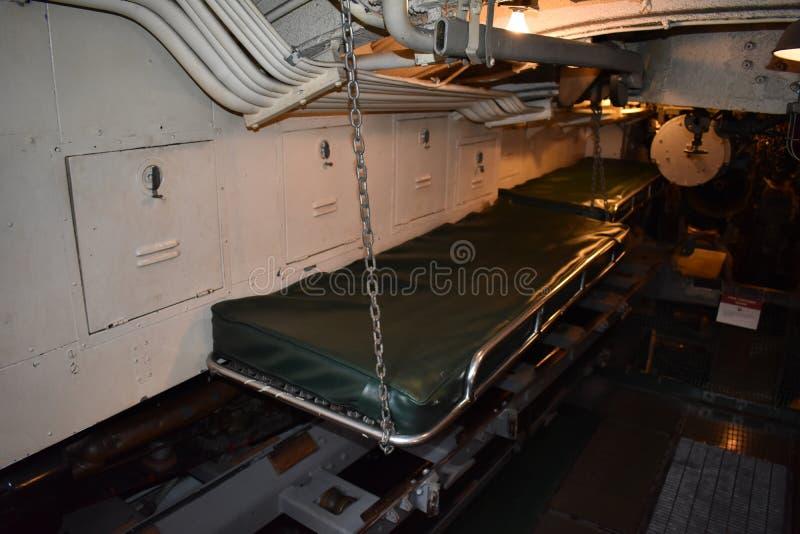 在USS里面Pompanito的局促空间, SS-383, 2 库存图片