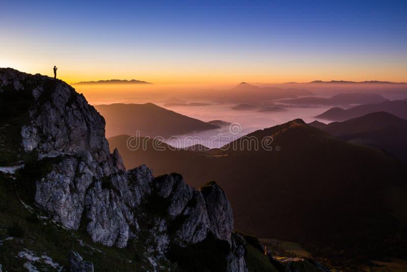 在Velky Rozsutec, Mala Fatra,斯洛伐克顶部的日落 库存照片