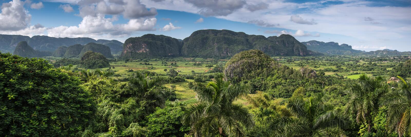 在Vinales谷,古巴的全景 免版税库存照片