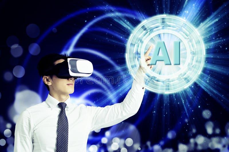 在VR玻璃的商人和指向发光的数字人工智能AI技术 皇族释放例证