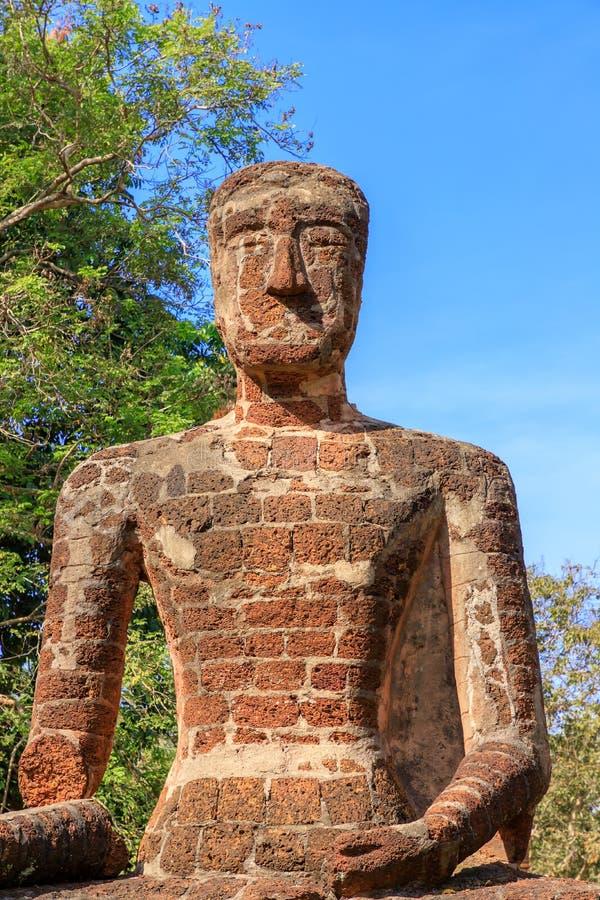 在Wat的坐的菩萨雕象在甘烹碧府历史公园,联合国科教文组织世界遗产名录站点唱寺庙 库存图片
