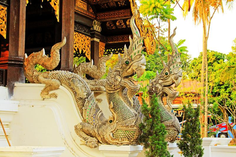 在Wat Jed Yod,清迈,泰国的纳卡语 免版税库存照片