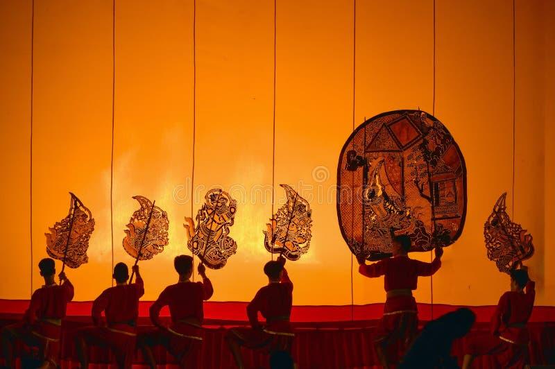 在Wat Khanon的皮影戏 免版税库存图片