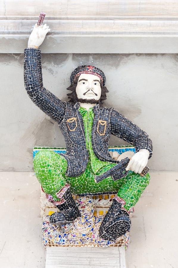 在Wat Pariwat,曼谷的切・格瓦拉雕塑 免版税库存图片