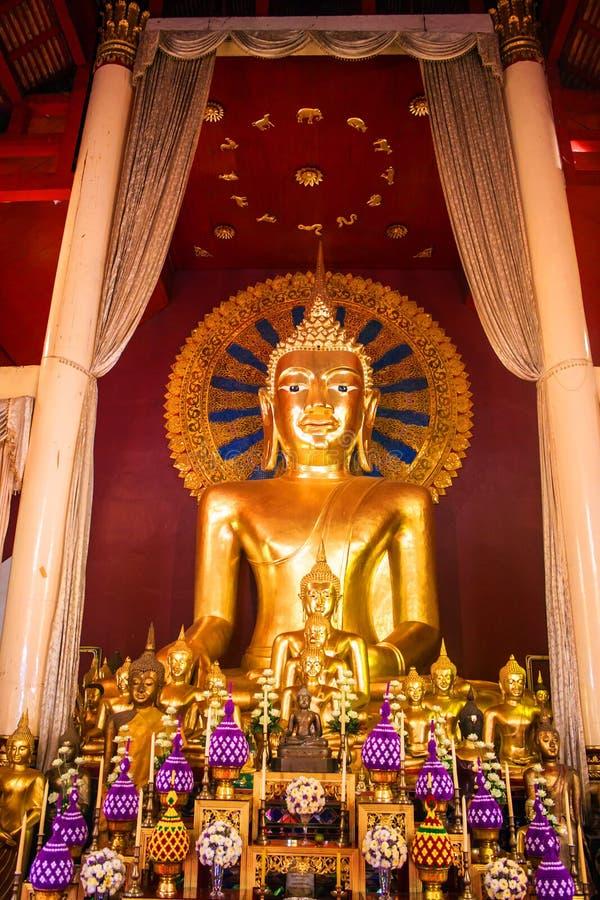 在Wat Phra辛哈寺庙的菩萨图象 库存图片