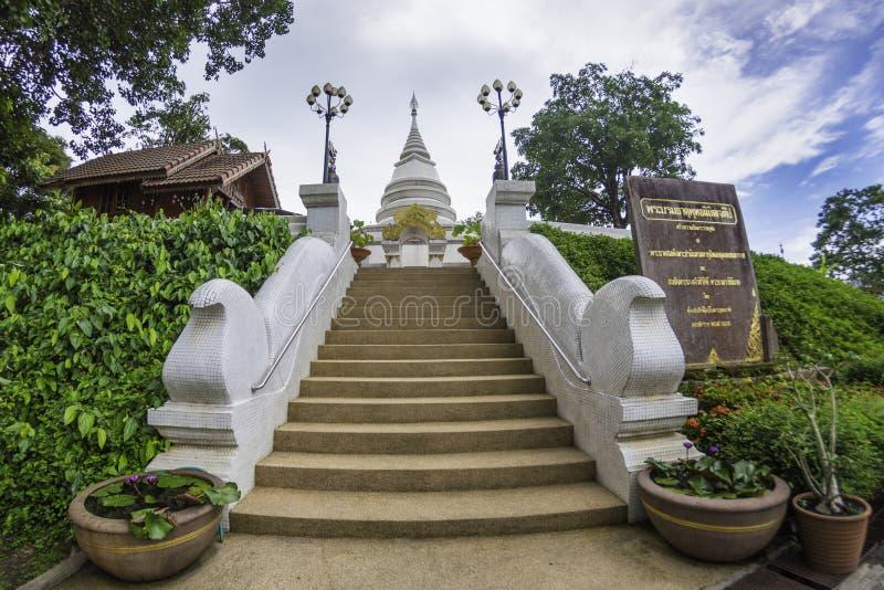 在wat phra dhat pha ngao的Stupa在金黄三角城镇saen, C 库存图片