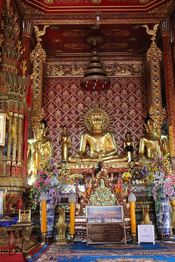 在Wat Pra singha的菩萨雕象 免版税库存图片