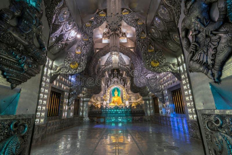 在Wat Sri素攀武里寺庙的银色教堂里面,著名旅游胜地在清迈,泰国 库存照片