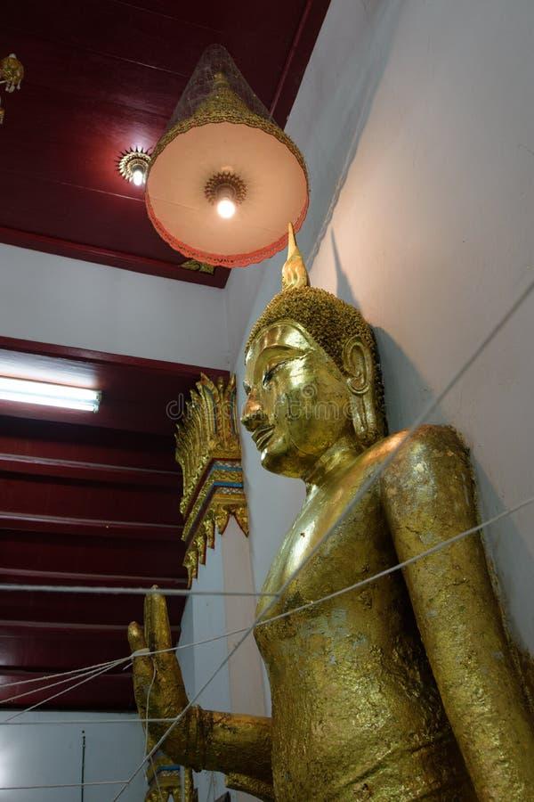 在wat Thammamun Worawihan的菩萨雕象 免版税图库摄影