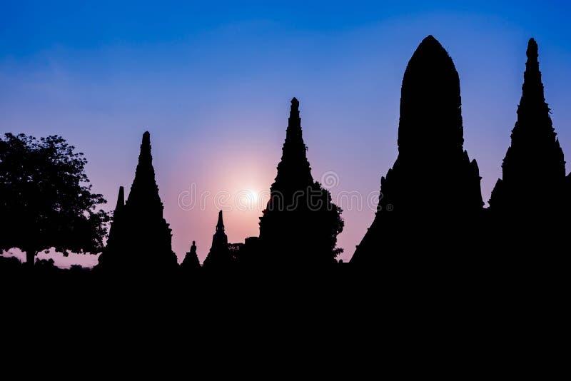 在Wat柴Watthanaram寺庙的日出在阿尤特拉利夫雷斯泰国 库存图片