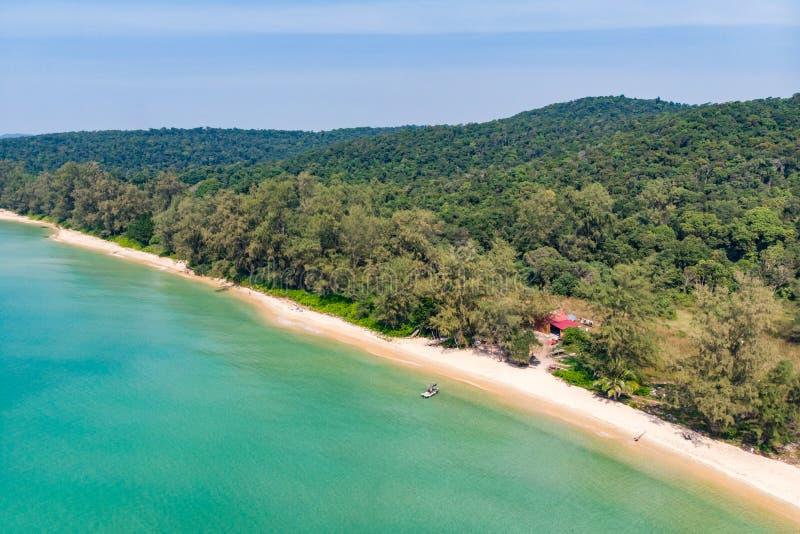 在whitebeachr顶视图背景,拷贝假日设计背景的空间纹理的沙子 海岛酸值荣Samloem海岸, 库存图片