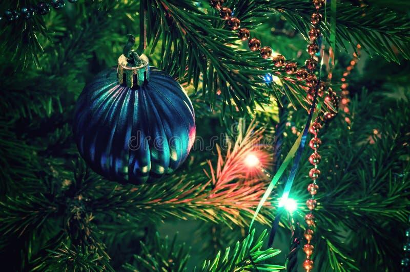 在xmas树的圣诞节装饰 库存图片