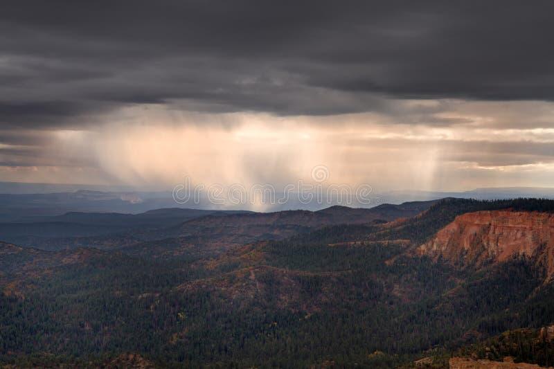 在Yovimpa点的雷暴 免版税图库摄影