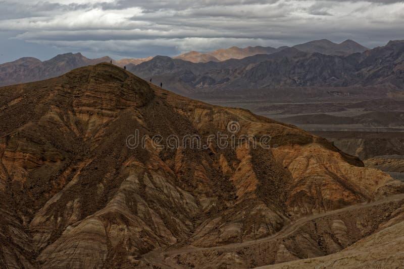 在Zabriskie点,死亡谷国家公园,加利福尼亚的山麓小丘 免版税库存照片