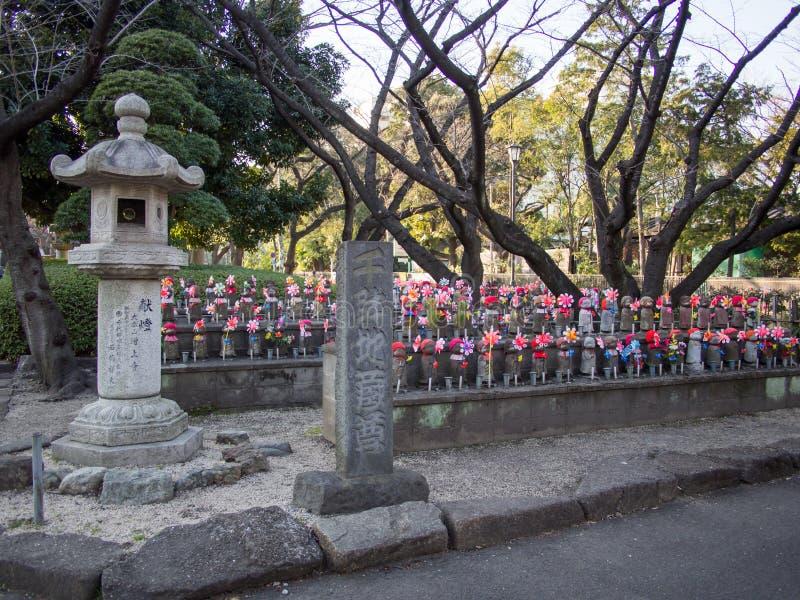在Zojoji寺庙东京日本的Jizo 免版税库存照片