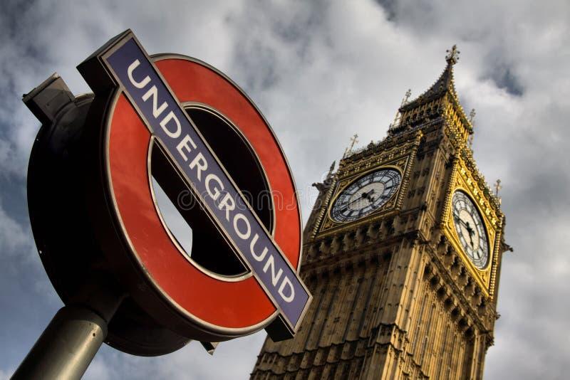 地下和大笨钟在伦敦 免版税库存图片