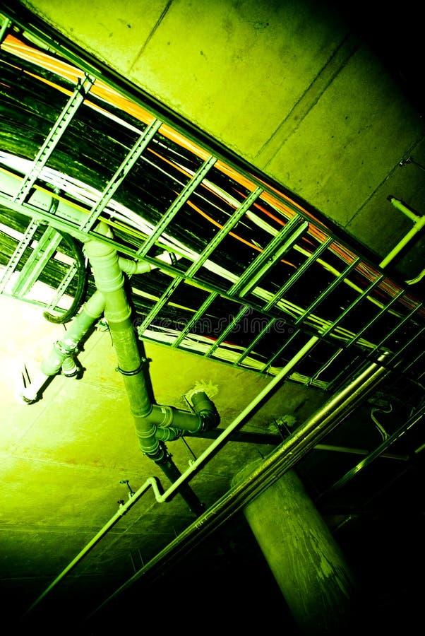 地下室最高限额管道 库存图片