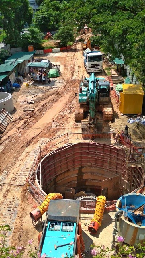 地下水管子的建筑 库存照片