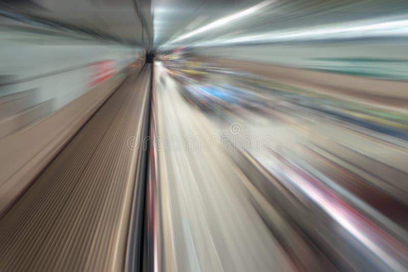 地下铁路隧道 火车运输背景的抽象速度行动在都市城市 库存照片