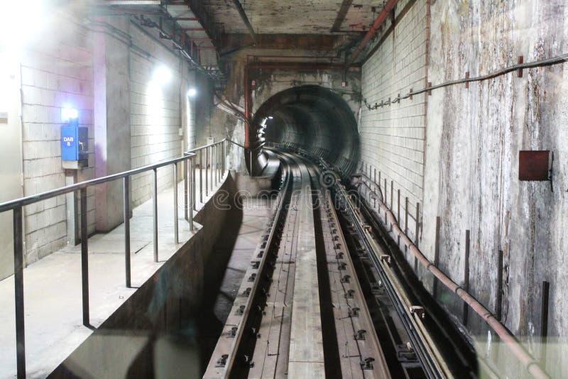 地下LRT轨道 免版税图库摄影