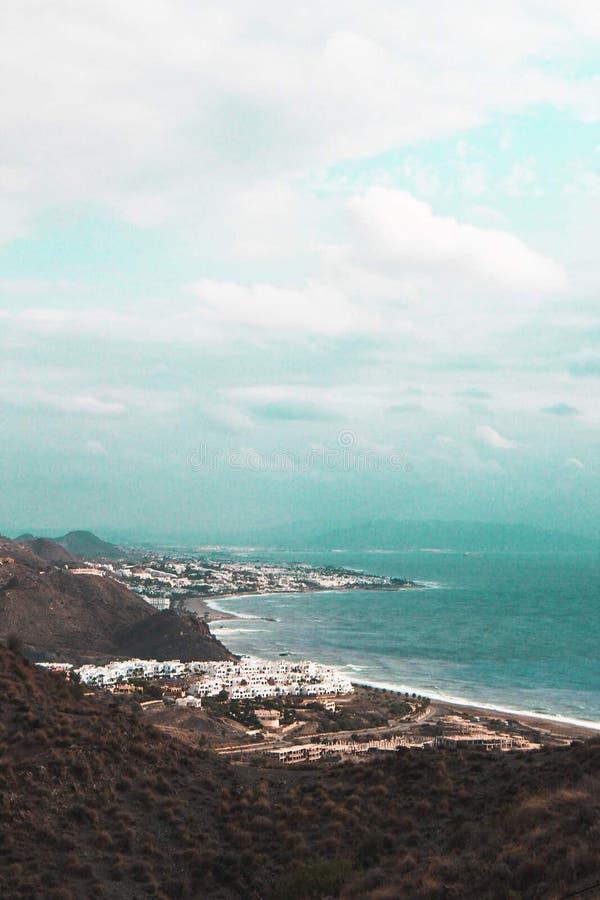 地中海在西班牙海岸 免版税库存照片