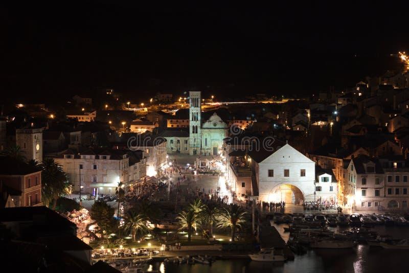 地中海城镇Hvar在晚上 免版税库存照片