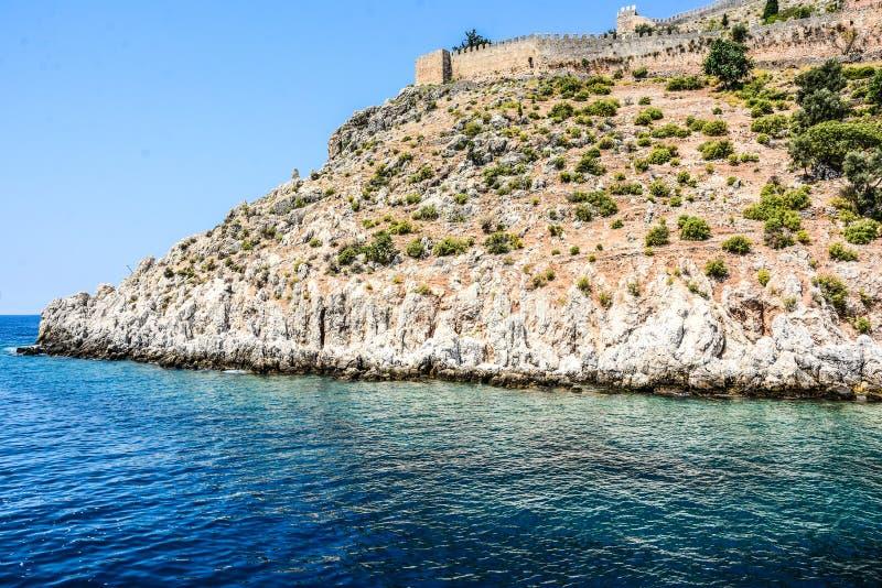 地中海岩石和海洋在土耳其 图库摄影