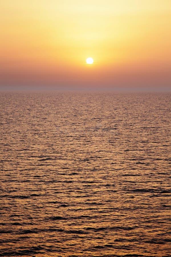 地中海日落。 库存图片