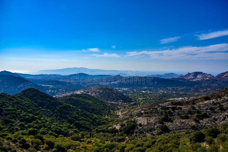 地中海海岛纳克索斯的风景的出色的意见在希腊 免版税库存照片