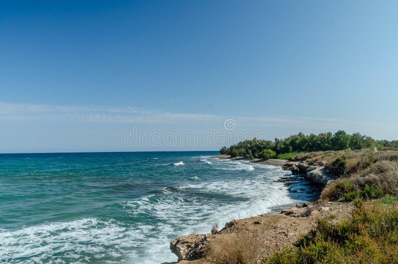 地中海的海滩 免版税库存照片