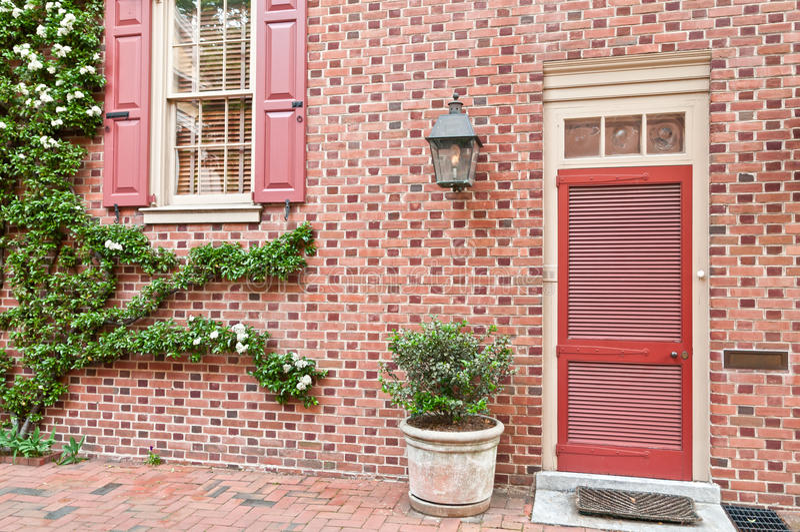 地区外部有历史的房子费城 免版税库存图片