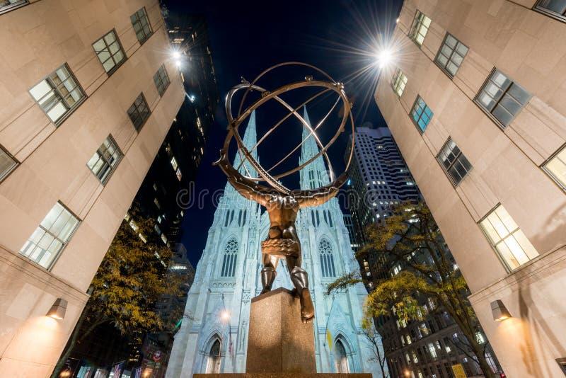 地图集雕象-洛克菲勒中心,纽约 免版税库存图片