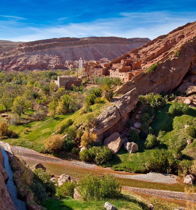 地图集kasbah摩洛哥小清真寺的山 库存图片