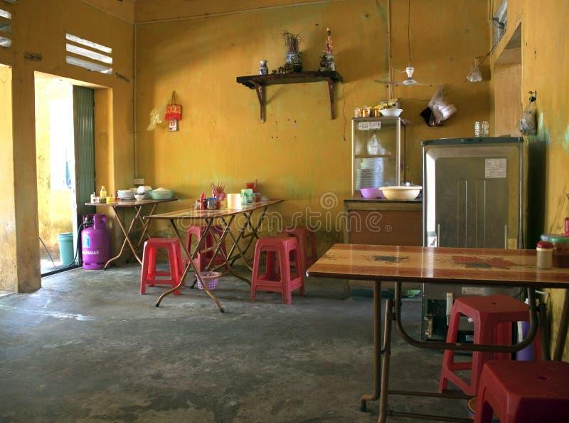 地方便宜的餐馆内部  免版税库存照片