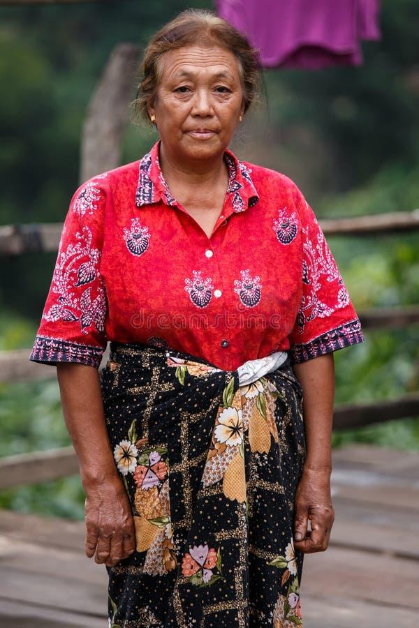 地方夫人在Tedim镇在钦邦,缅甸 库存照片
