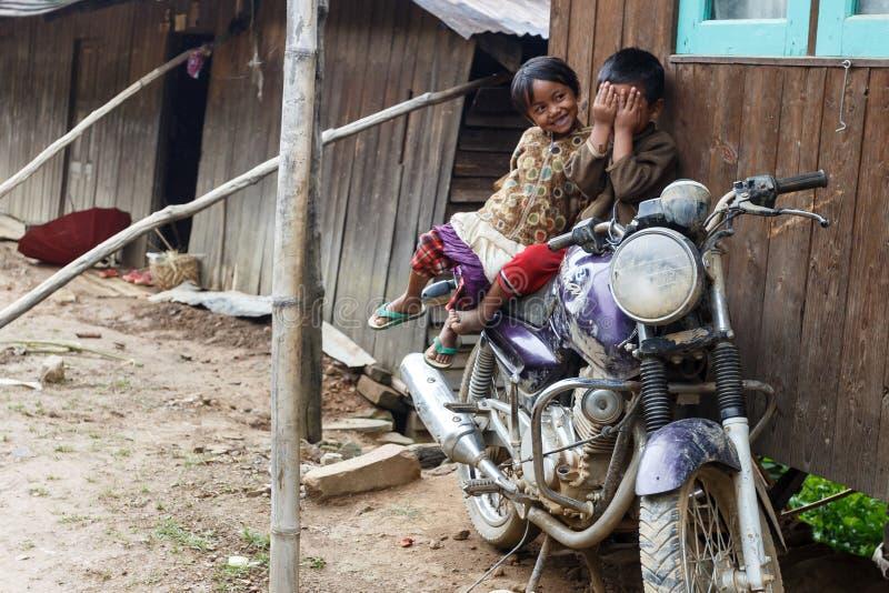 地方孩子在钦邦,缅甸 免版税库存图片