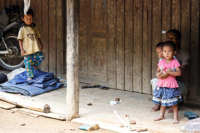 地方孩子在钦邦,缅甸 库存图片